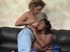 Ebony lets dude lick succulent slot
